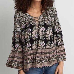 ✨HP✨American Eagle Floral Blouse